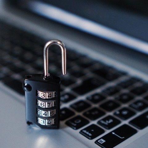 Hacking Web Cameras - Post Thumbnail